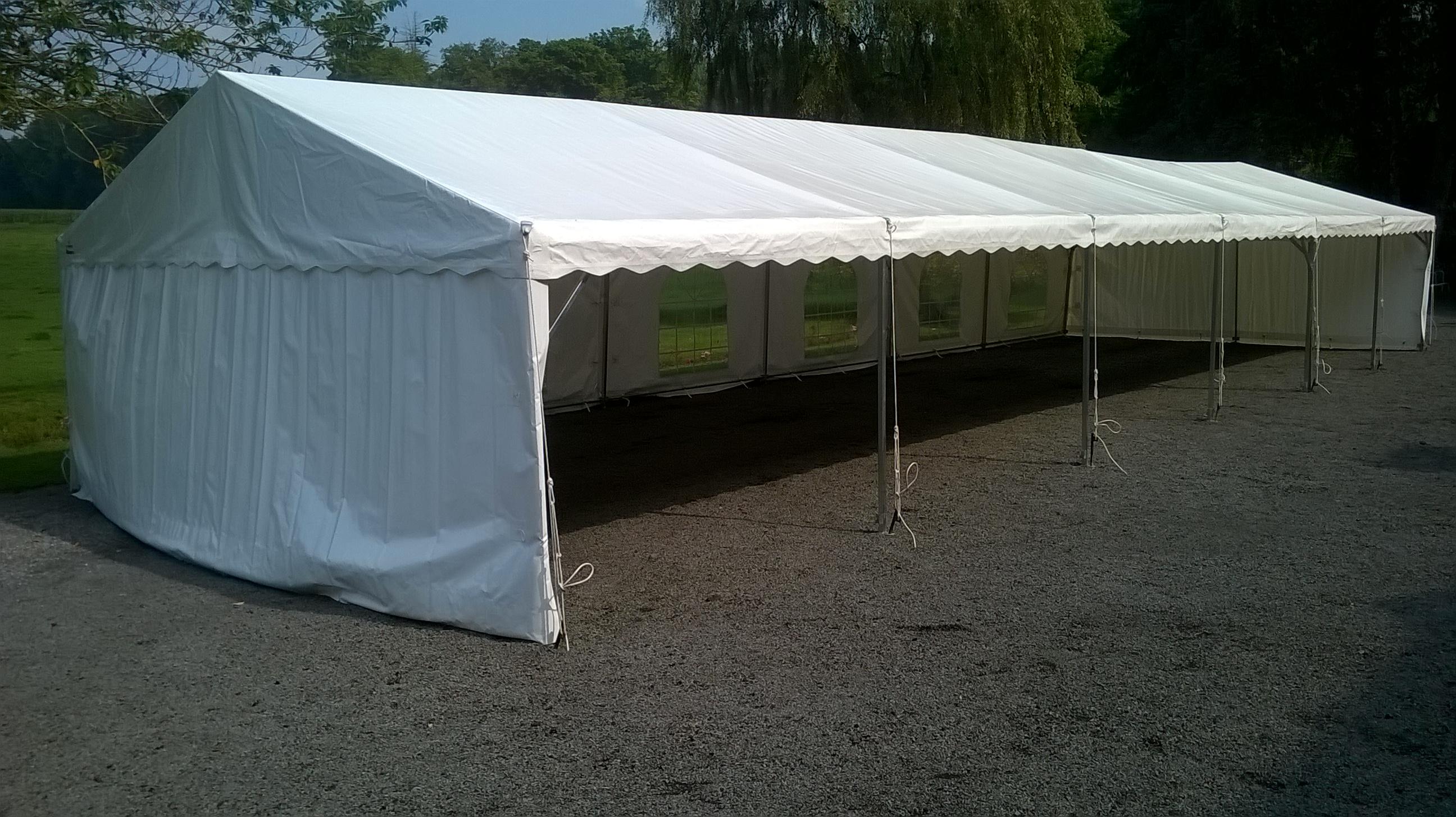 Tentes de réception doublées en longueur 6x18.